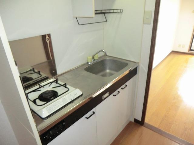 プリミア篠目 201号室のキッチン