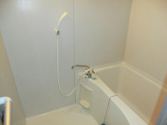 プリミア篠目 201号室の風呂