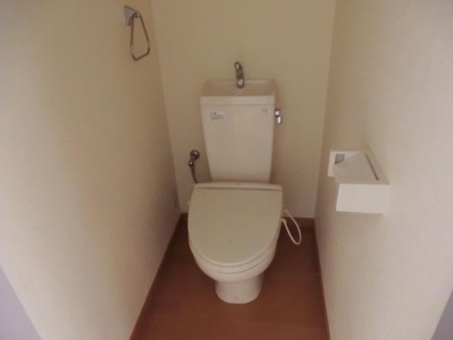 レークハヤⅢ 101号室のトイレ