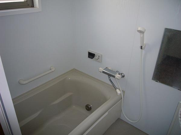 第7ハッピーヒルハイツ 201号室の風呂