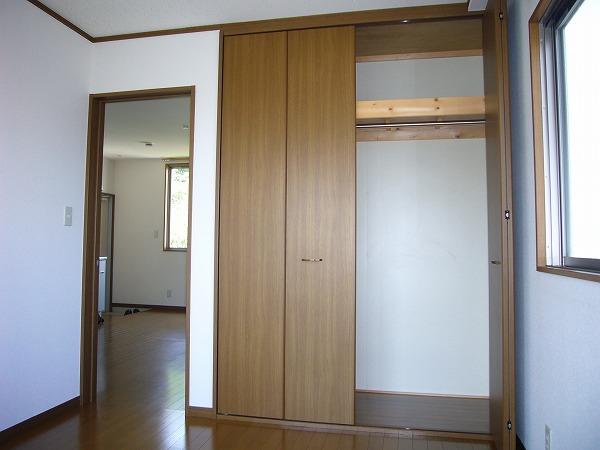 第7ハッピーヒルハイツ 201号室の収納