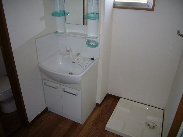 第7ハッピーヒルハイツ 201号室の洗面所