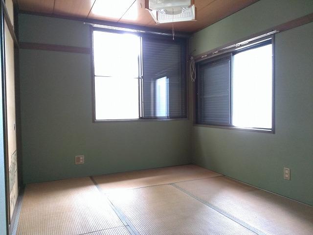 ハイツ浦賀 101号室のリビング