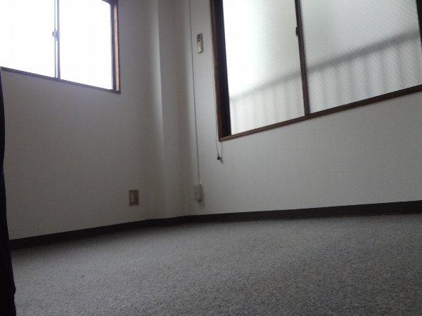 松本ハイム 301号室のリビング