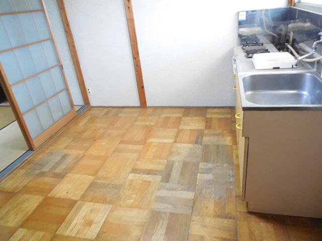 三孝荘 201号室の居室