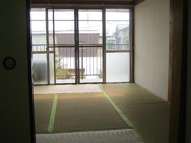 アベアパート 202号室の居室