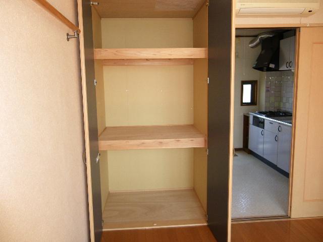 石塚マンション 308号室の収納