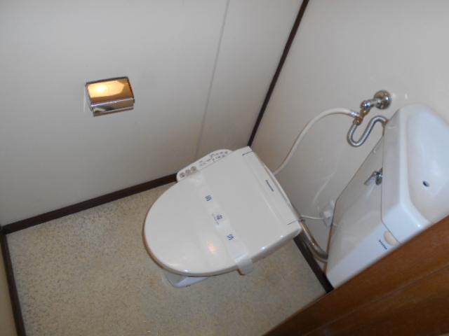 大竹コーポA棟 201号室のトイレ