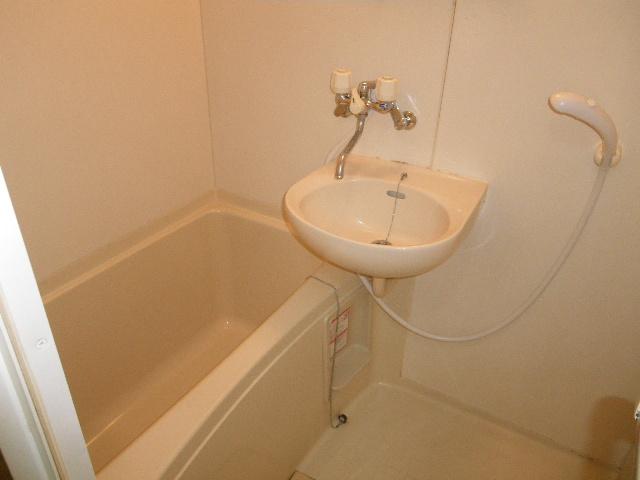 セグンド山星 402号室の風呂