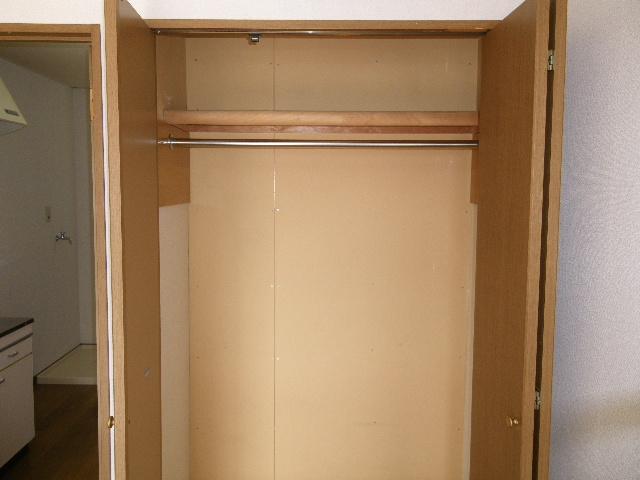 セグンド山星 402号室の収納