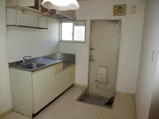 清水コーポ 202号室の玄関