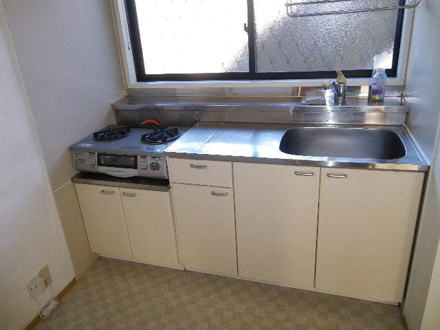 プチメゾンすずかけ 202号室のキッチン