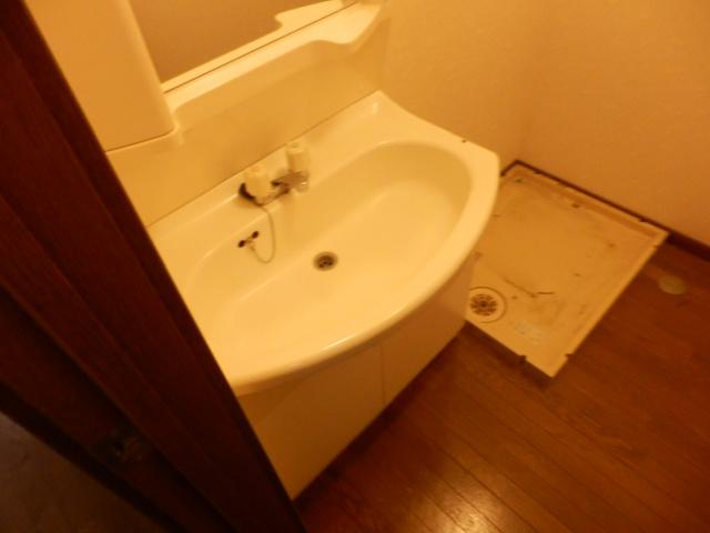 アベニール高橋 102号室の洗面所