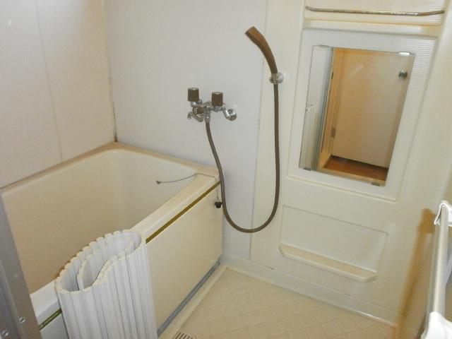 セジュールシマダ 201号室の風呂