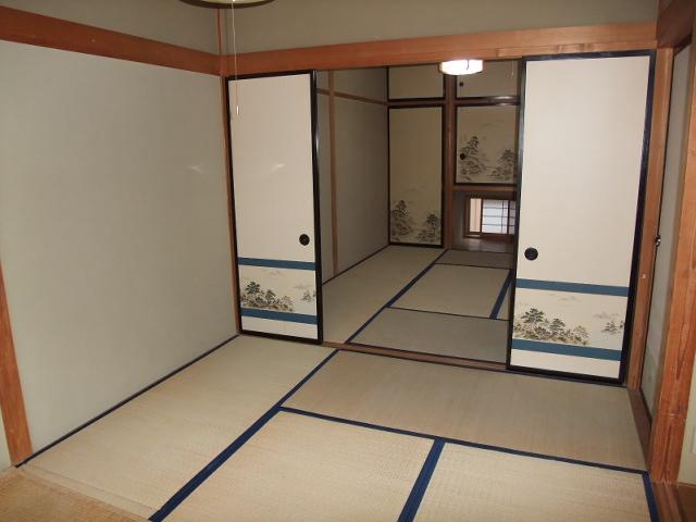 井野駅前レジデンス 203号室の居室