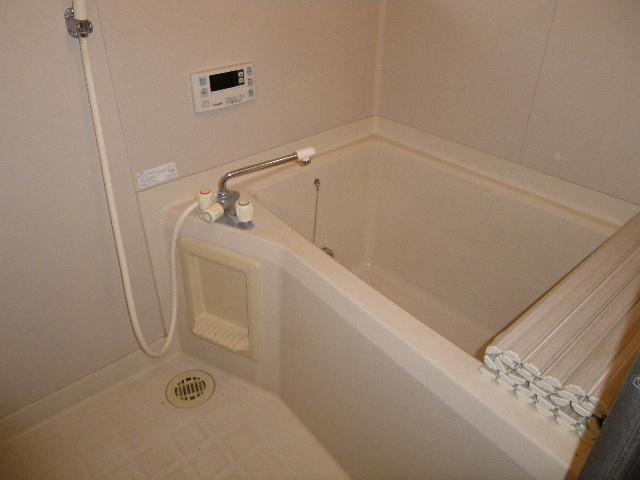 エステートなかざとD 101号室の風呂