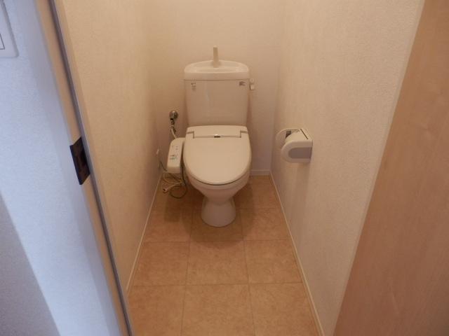 ロザージュ 101号室のトイレ
