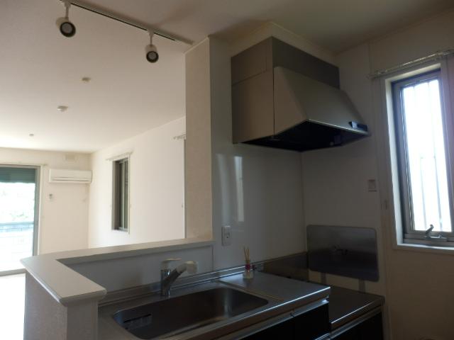 ロザージュ 101号室のキッチン