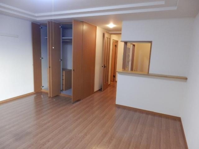 フロント ヴィレッジ 206号室のリビング