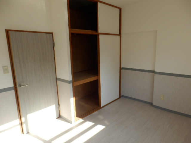 鶴辺ハイツ 101号室の収納