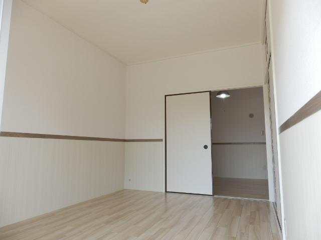 鶴辺ハイツ 101号室の居室