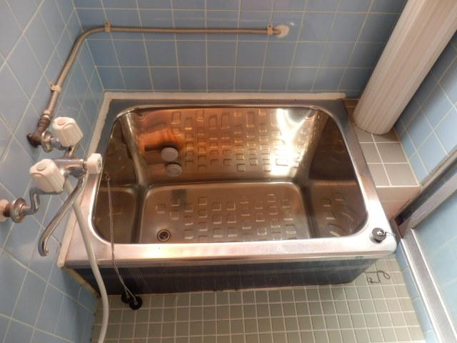 高関町貸家の風呂