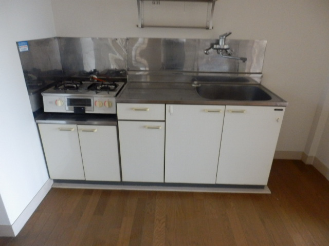 メゾン・ド・エスポワール 103号室のキッチン