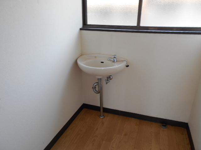 金田住宅の洗面所
