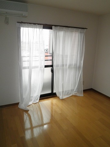 スカイパレス山之手 404号室のリビング