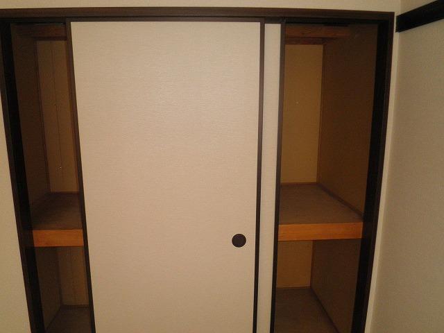 フレグランス90 B205号室の収納