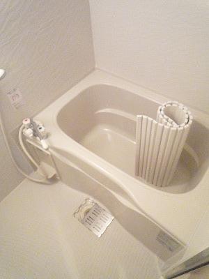 ハイツこもれび D号室の風呂