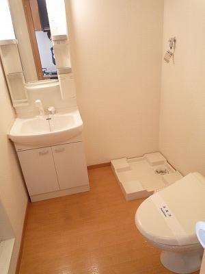ハイツこもれび D号室の洗面所