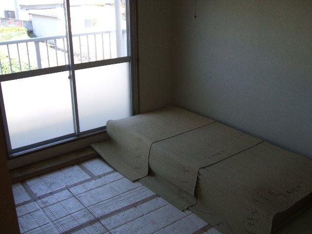 コーポ志字 302号室のリビング