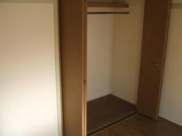 コーポ志字 302号室の収納