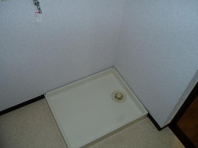 ジュネス神谷 402号室の洗面所