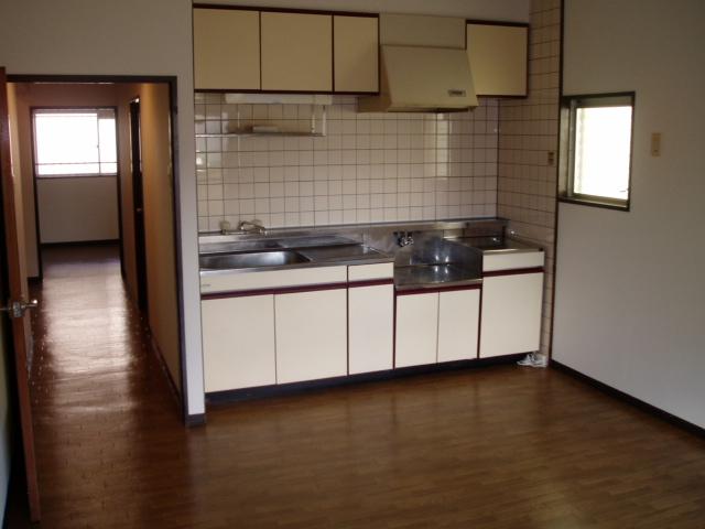 ジュネス神谷 402号室のキッチン