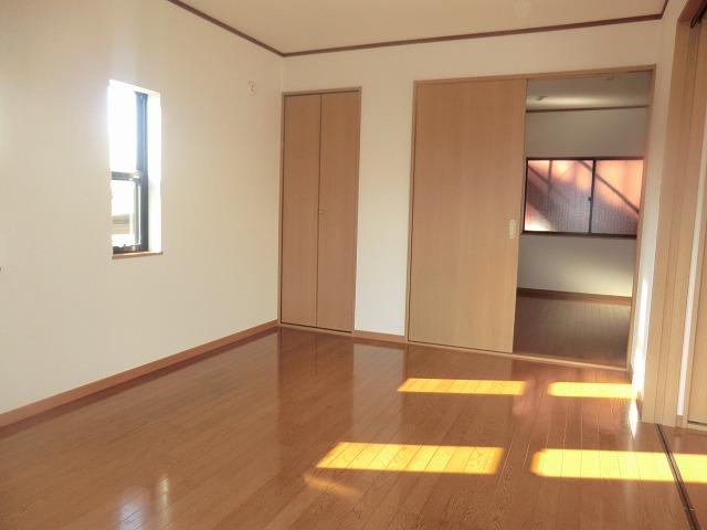 タウニー新安城B 201号室のリビング