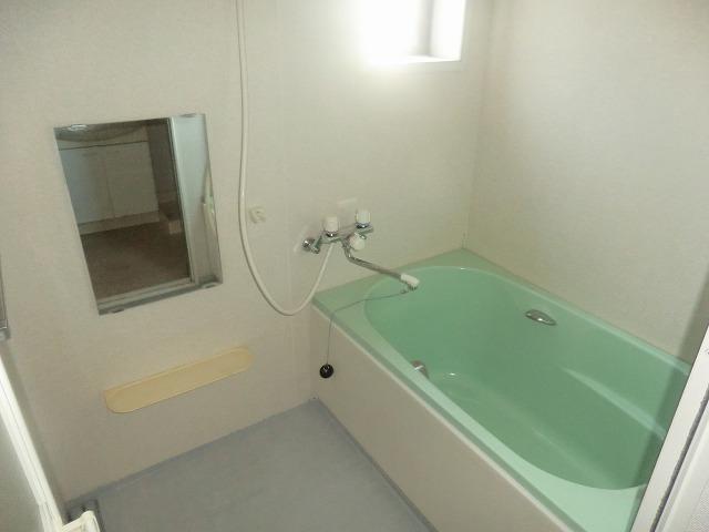 タウニー新安城B 201号室の風呂