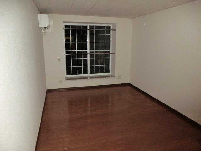 メゾンマルイシ 201号室のベッドルーム