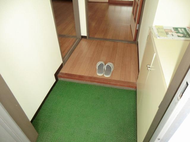 210ルミエール 314号室の玄関