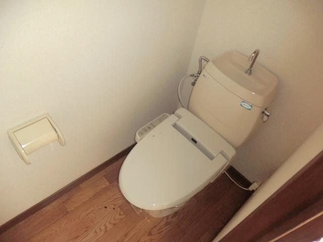 タウニーK 106号室のトイレ