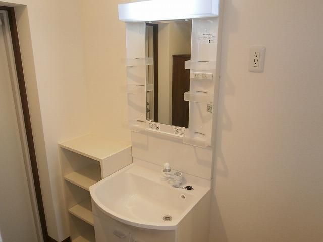 Kビル三河安城本町 502号室の洗面所