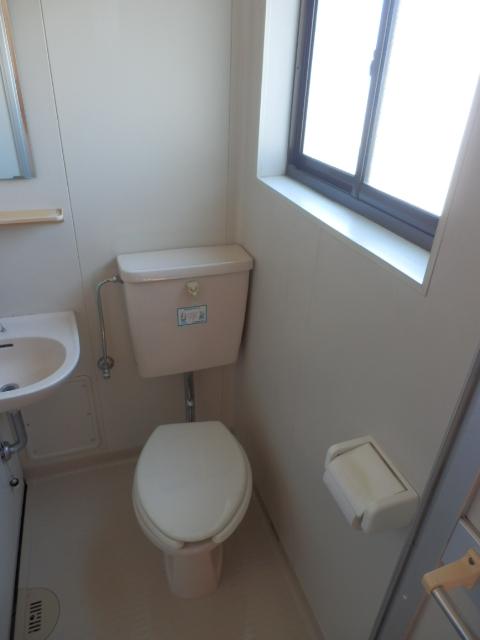 第3栄屋コーポ 201号室のトイレ