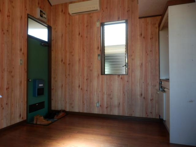 第3栄屋コーポ 201号室の玄関