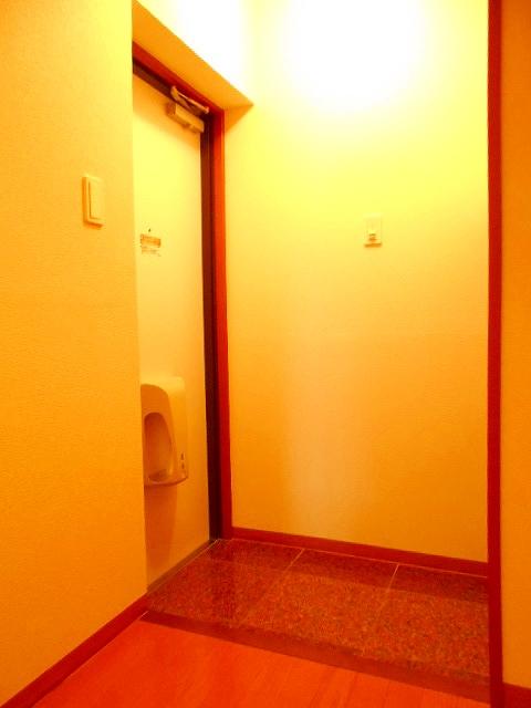 アリエッタ 301号室の玄関