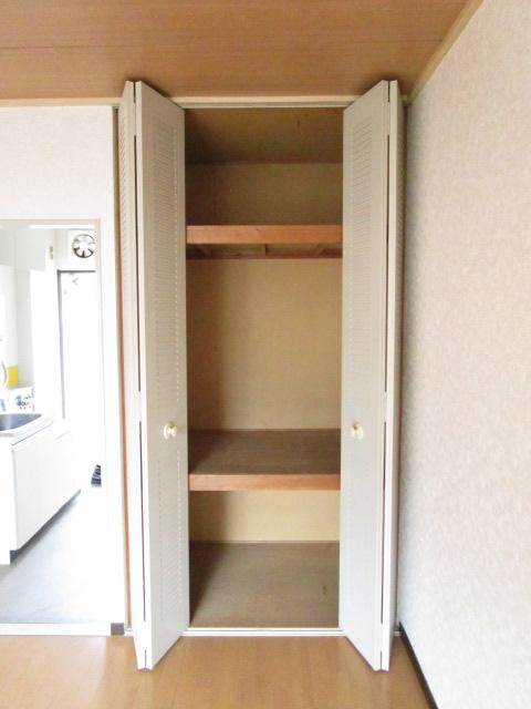 NT三山ハイム 103号室の収納