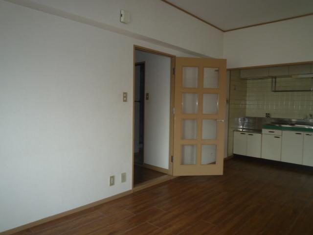 コバヤシミルクハウス 3A号室のリビング