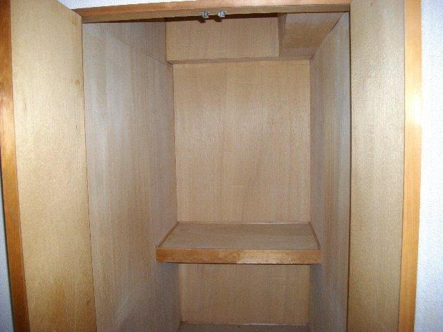 メゾンノーブル 303号室の収納