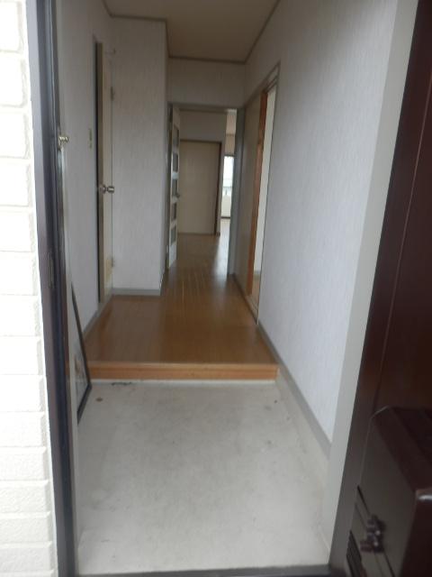 サンライズ清香 303号室の玄関
