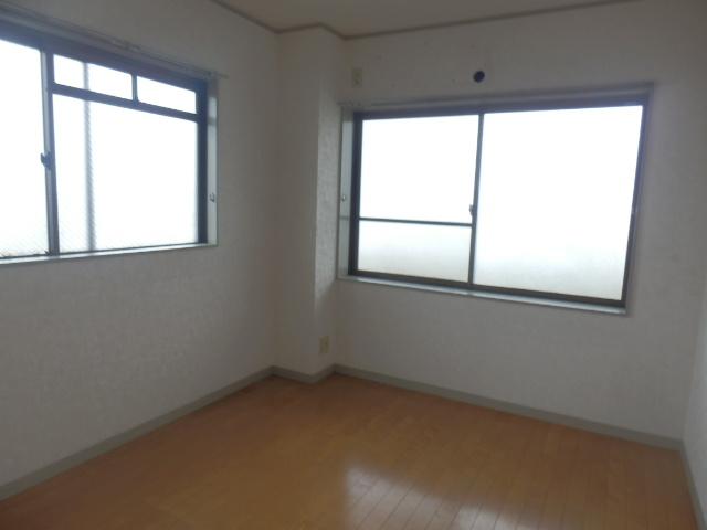 サンライズ清香 303号室のベッドルーム
